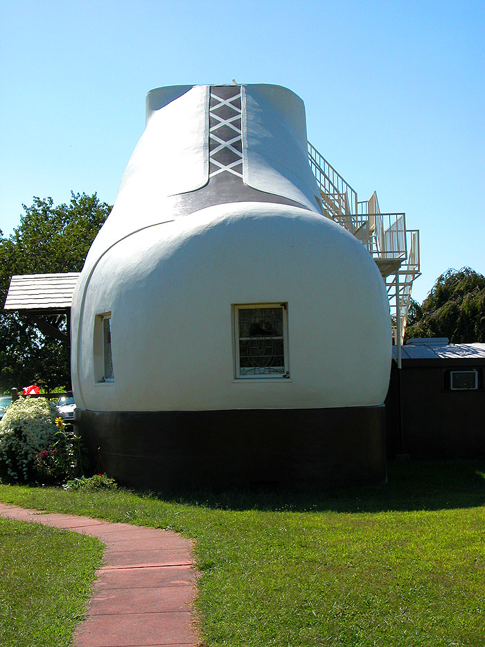 Haines-Shoe-House-3