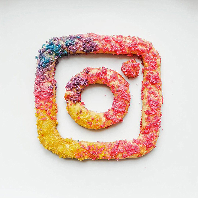 artists-recreate-new-instagram-logo-spinstamatic