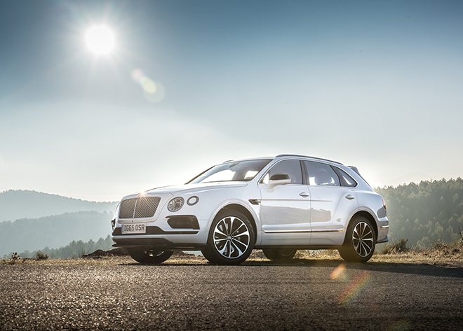 Bentley-Bentayga_2016_1600x1200_wallpaper_03
