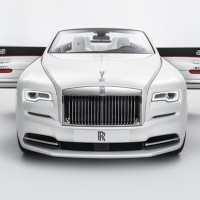 002-rolls-royce-dawn-fashion