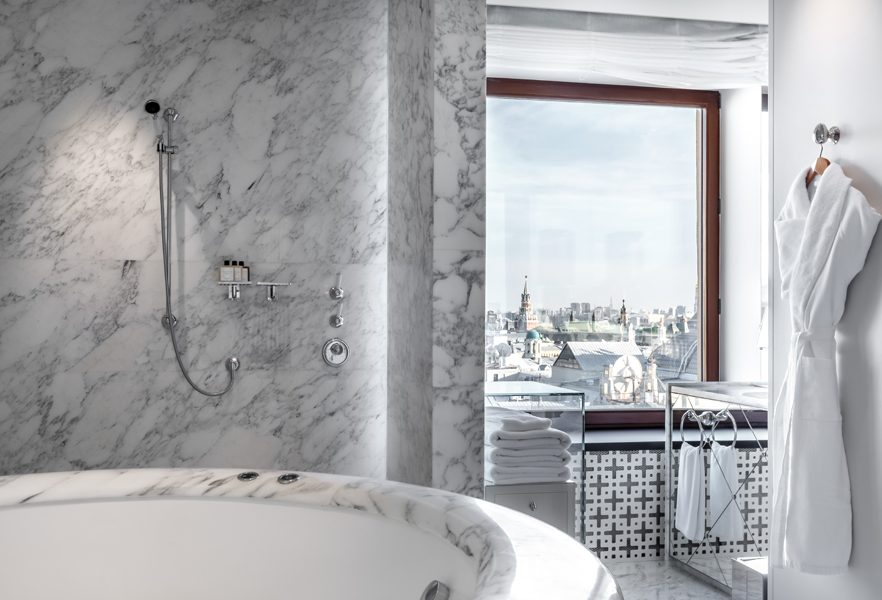 Ararat-Park-Hyatt-Moscow-Penthouse-Suite-Bathroom-Moscow-View